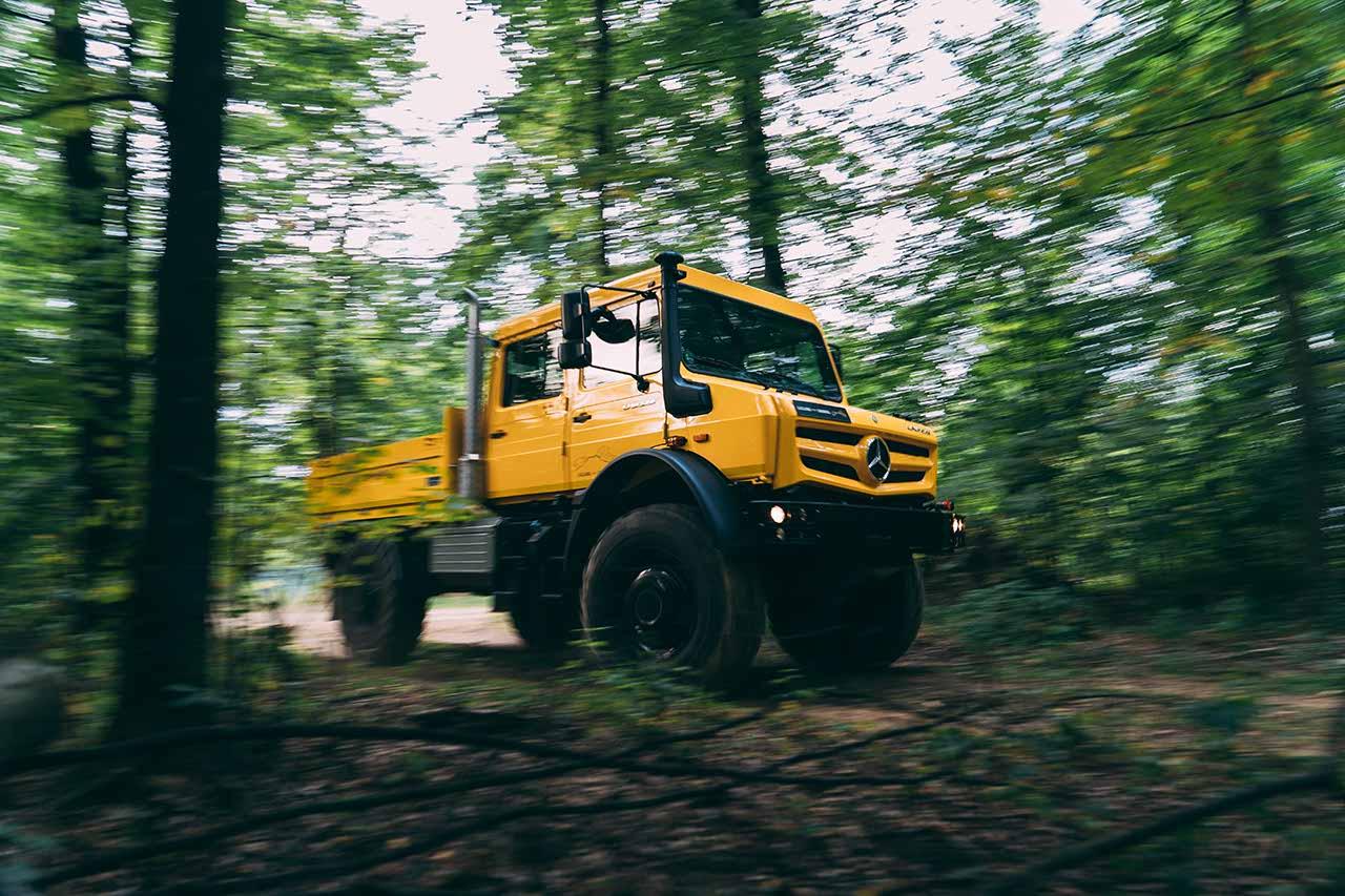 Unimog im Wald Mercedes-Benz | brainstormunich media Videoproduktion Fotoproduktion Filmpoduktion Fotografie München Agentur Filmagentur Social Media