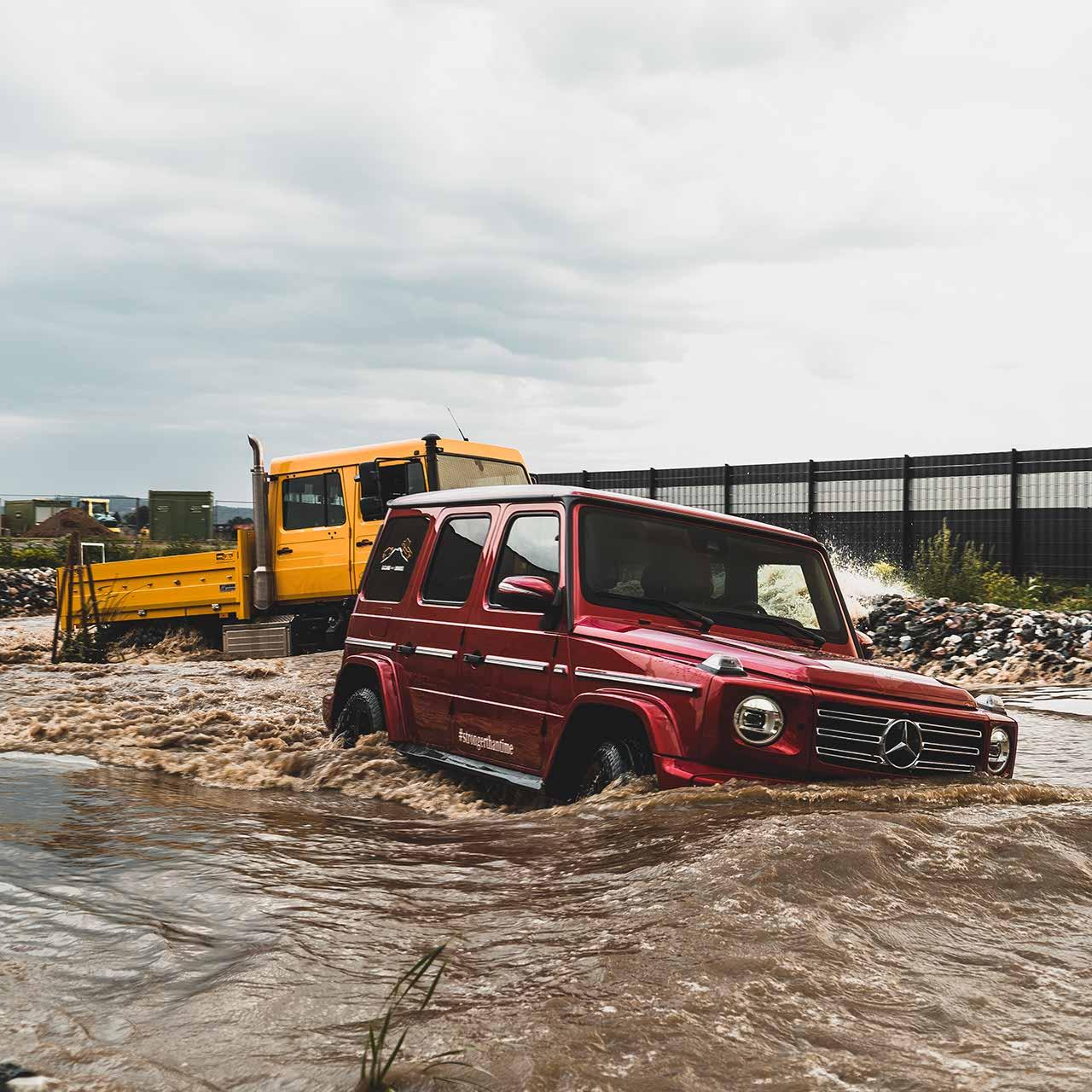 Unimog und G-Klasse Mercedes im Wasser | brainstormunich media Videoproduktion Fotoproduktion Filmpoduktion Fotografie München Agentur Filmagentur Social Media